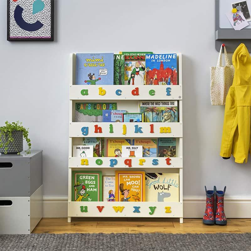 La bibliothèque Tidy Books avec alphabet